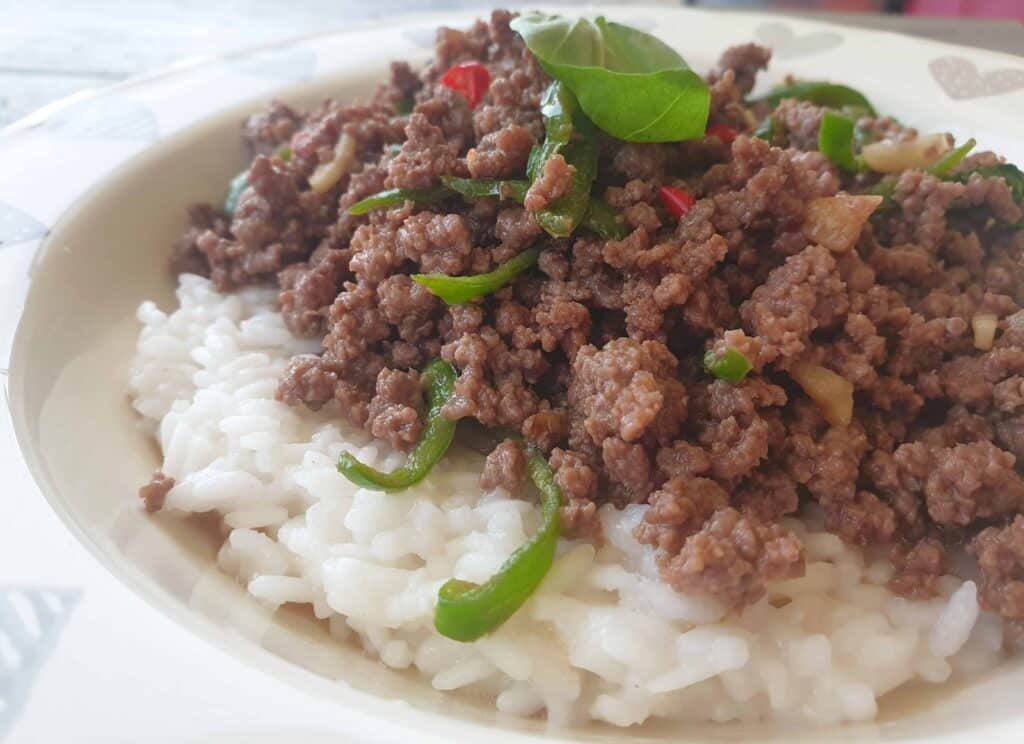 Thai beef with jalapeno and basil_2