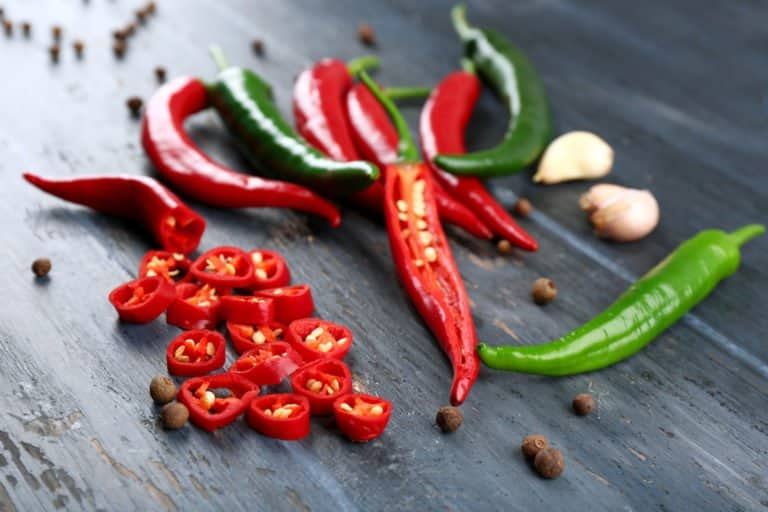 Does spicy food cause acne