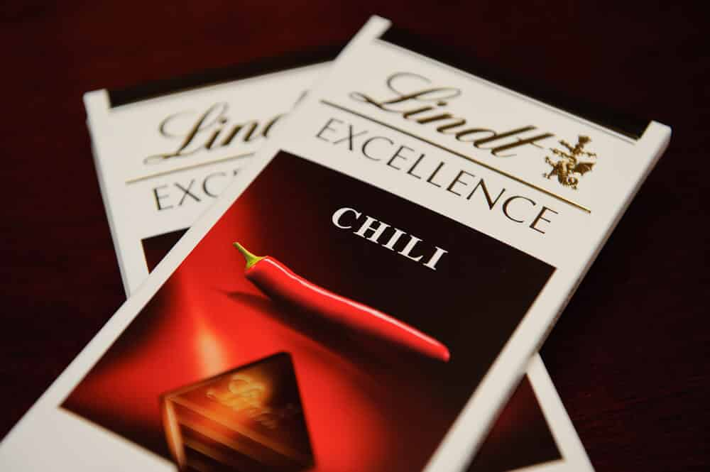 Lindt Chili Chocolate Rich And Mild Pepperscale