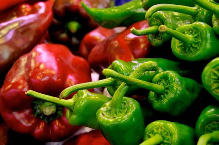Red Pepper Vs. Green Pepper: PepperScale Showdown