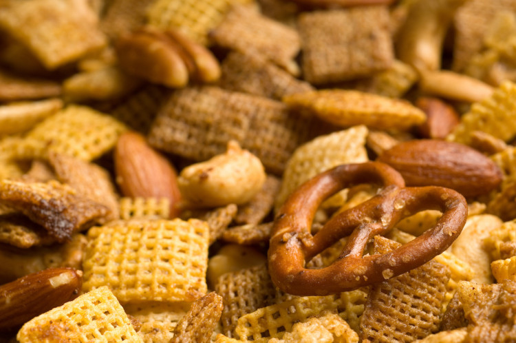 Spicy Sriracha Chex Mix - PepperScale