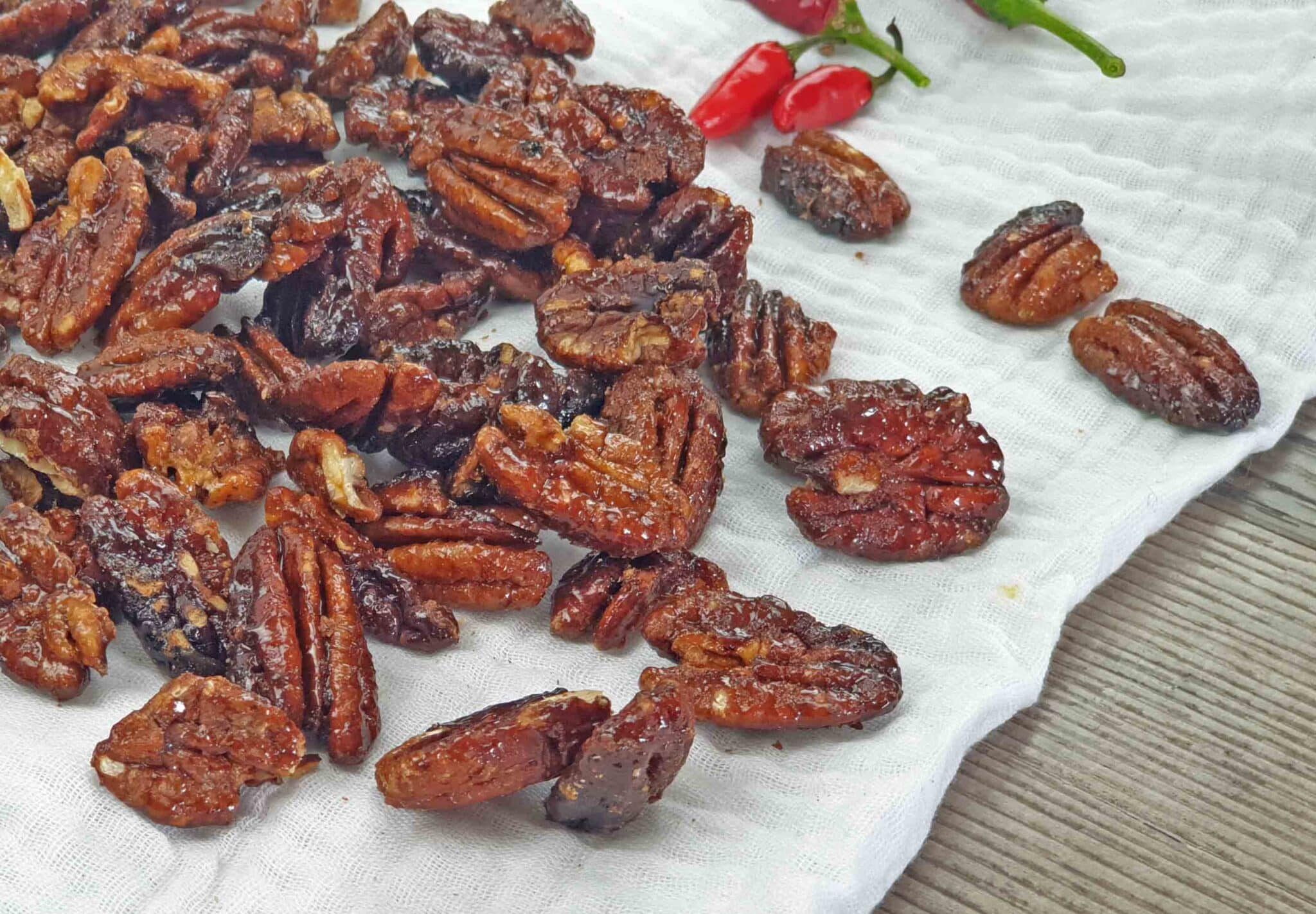 Spicy candied pecans