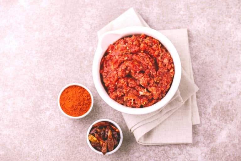 Harissa vs. Sriracha