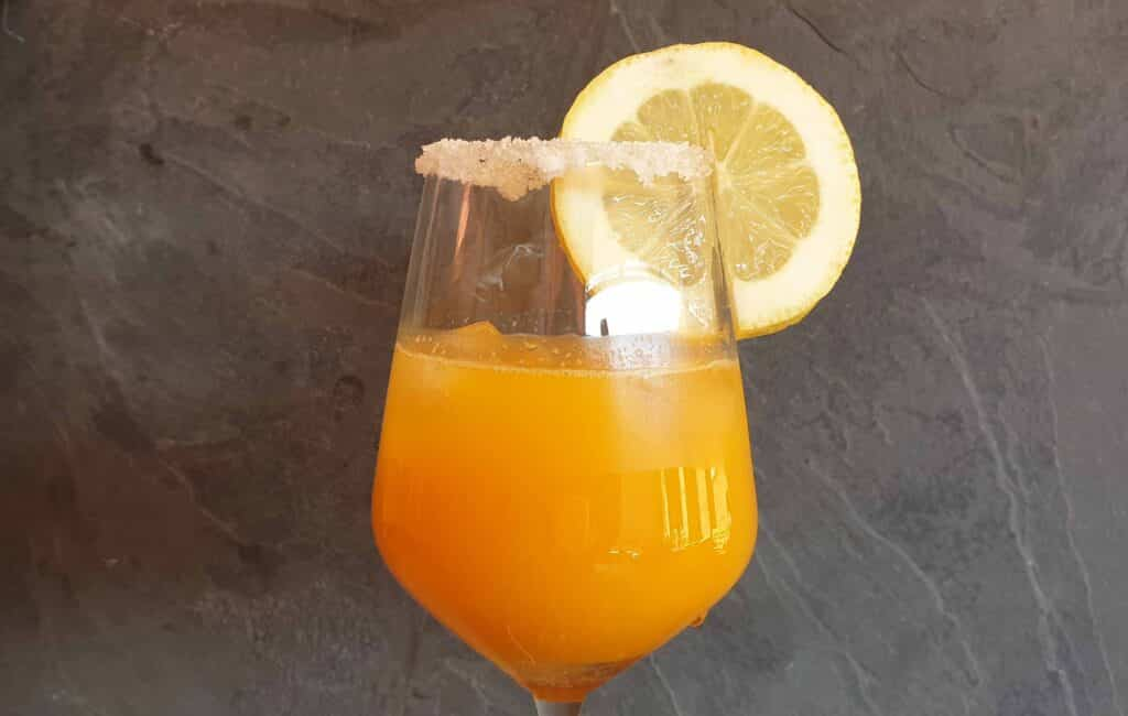 spicy gin and orange cocktail_2