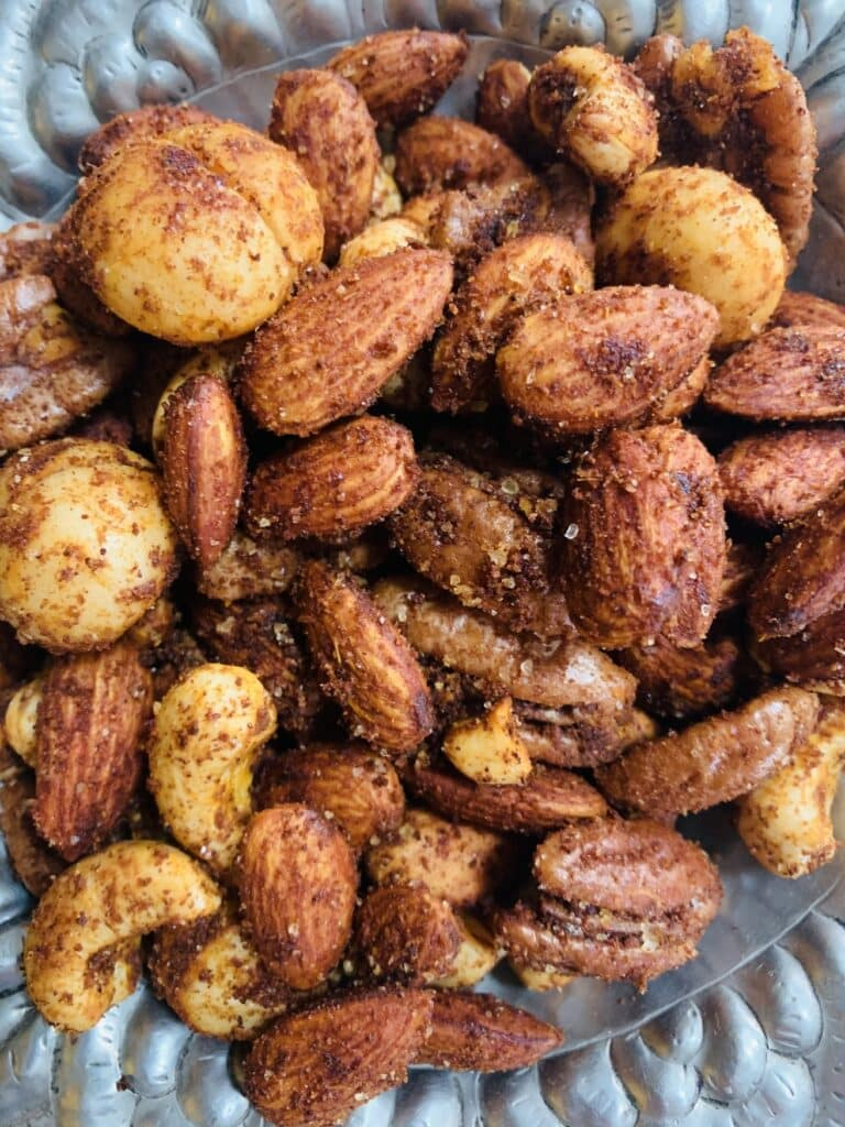 Spicy mixed nuts, close-up