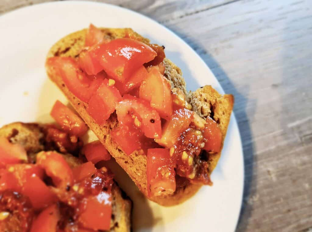 Chipotle and sundried tomato bruschetta