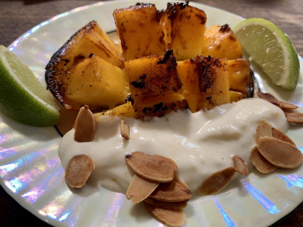Seared spiced mangoes, close-up