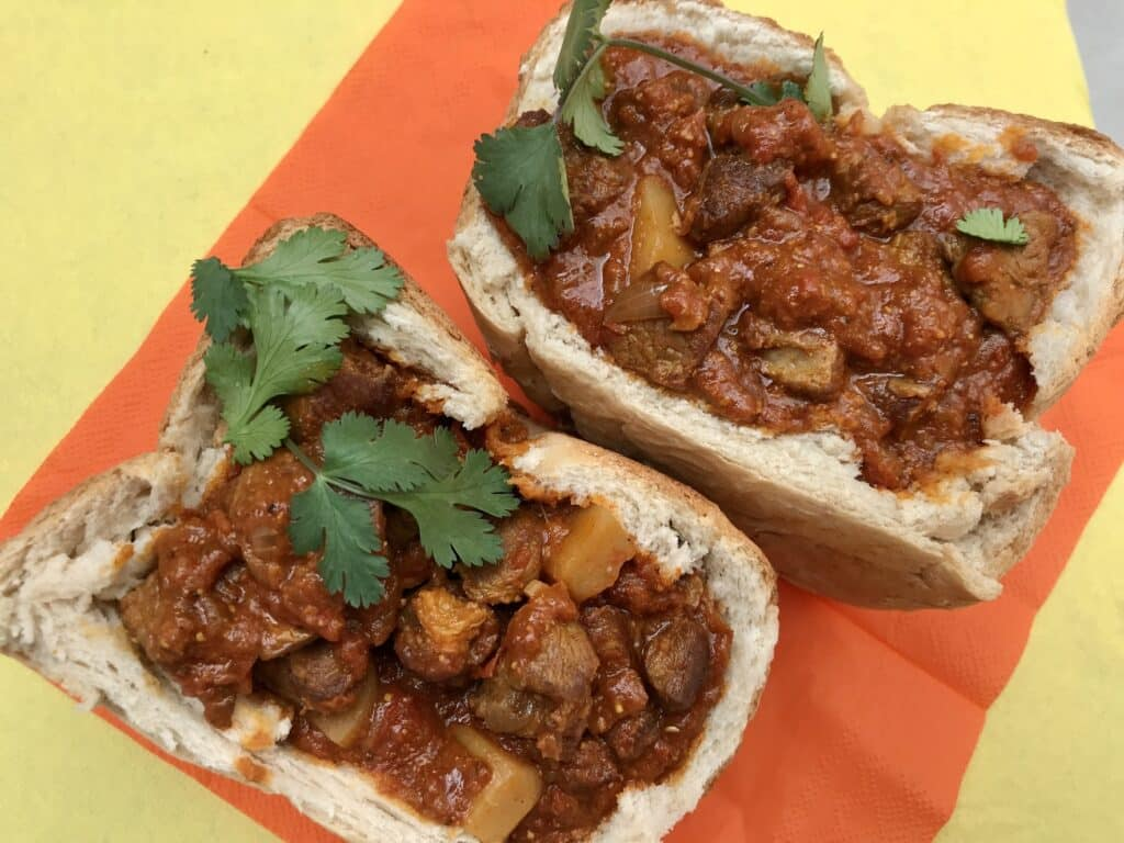 Bunny chow, ready to eat