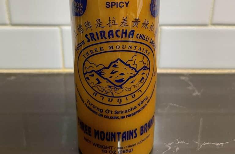 Three Mountains Yellow Sriracha Label
